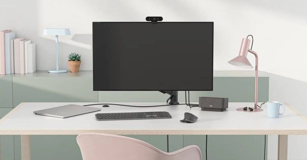 Logi Dock Clear Desk Speakerphone UK